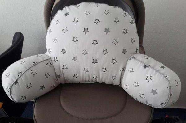 Sitzkissen für den Kinderwagen - weiß mit Sternen